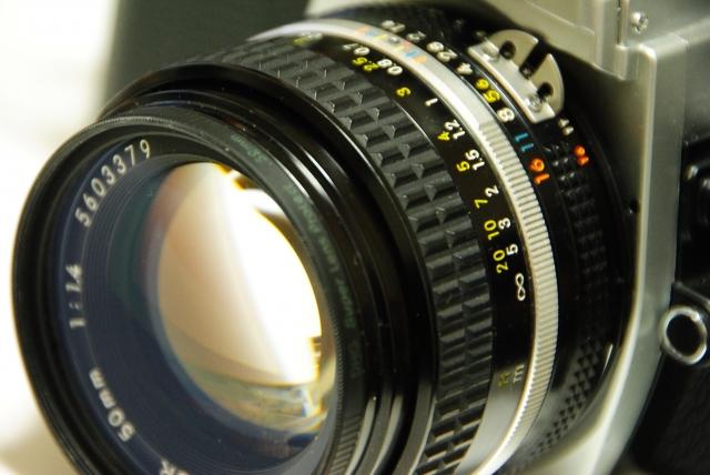 フィルム一眼レフカメラ