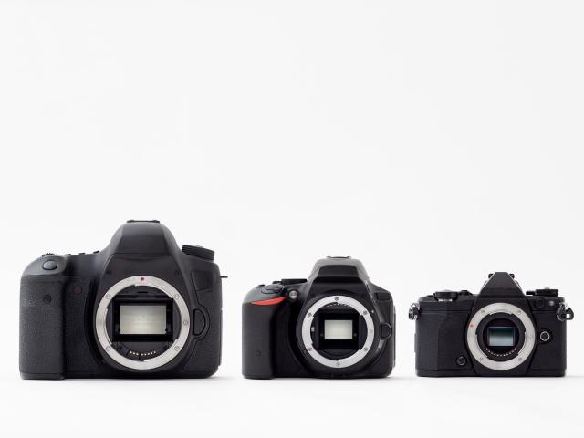 イメージセンサーの大きさによるカメラの大きさの違い